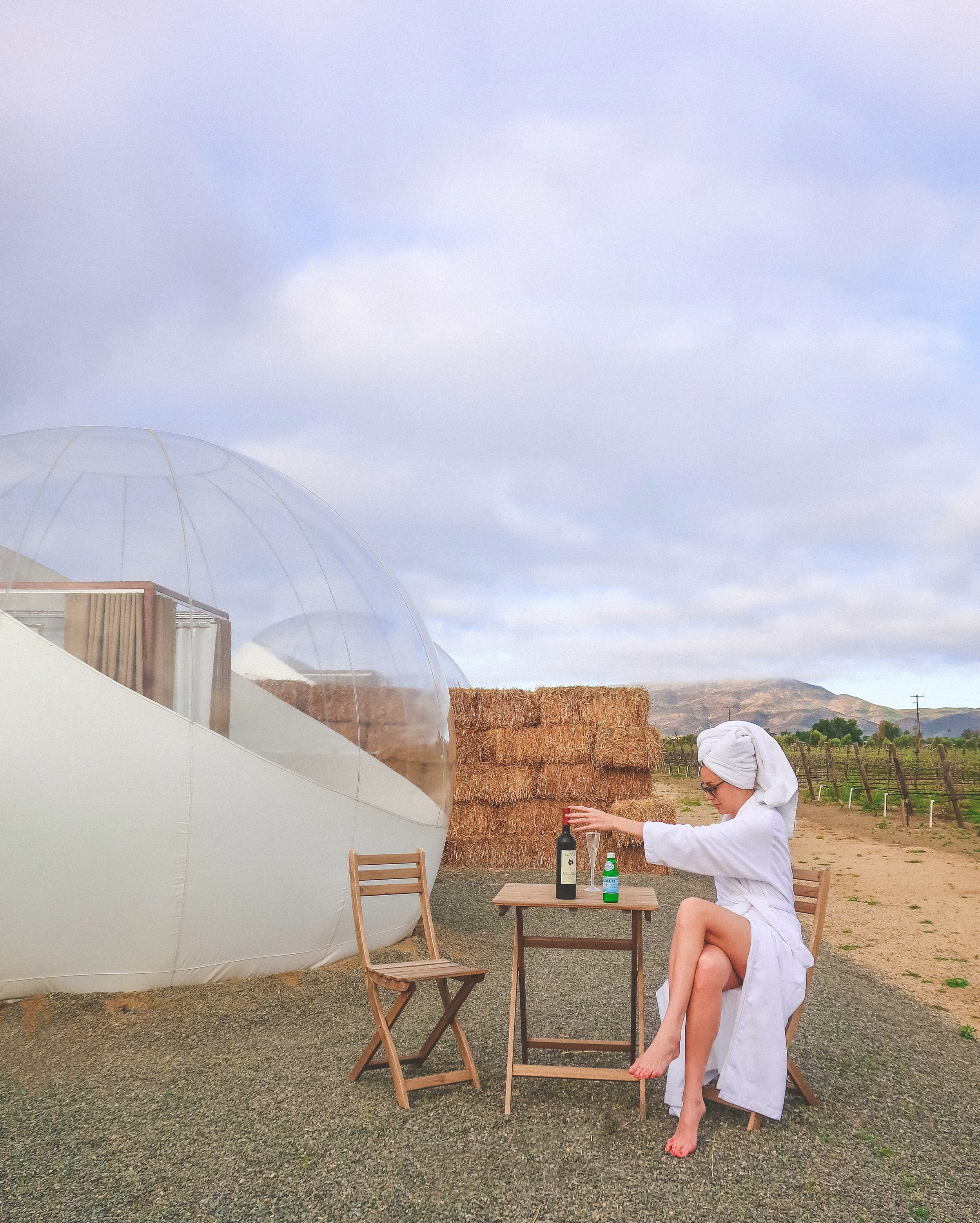 Campera Hotel Burbuja's Bubble Rooms and Suites are separated by haystack walls and face the same direction, allowing for privacy from other guests.