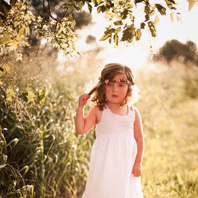 Sweetest Soul 🧡  #kid #children #portrait #blueeyes #canon #iphone #flowercrown #model #love #photos #photography #photographer #happy #summer #sunset