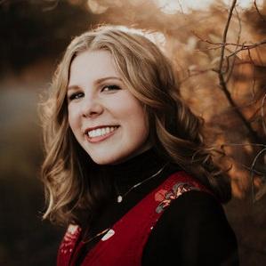 Annabel Huesk, Saxophone