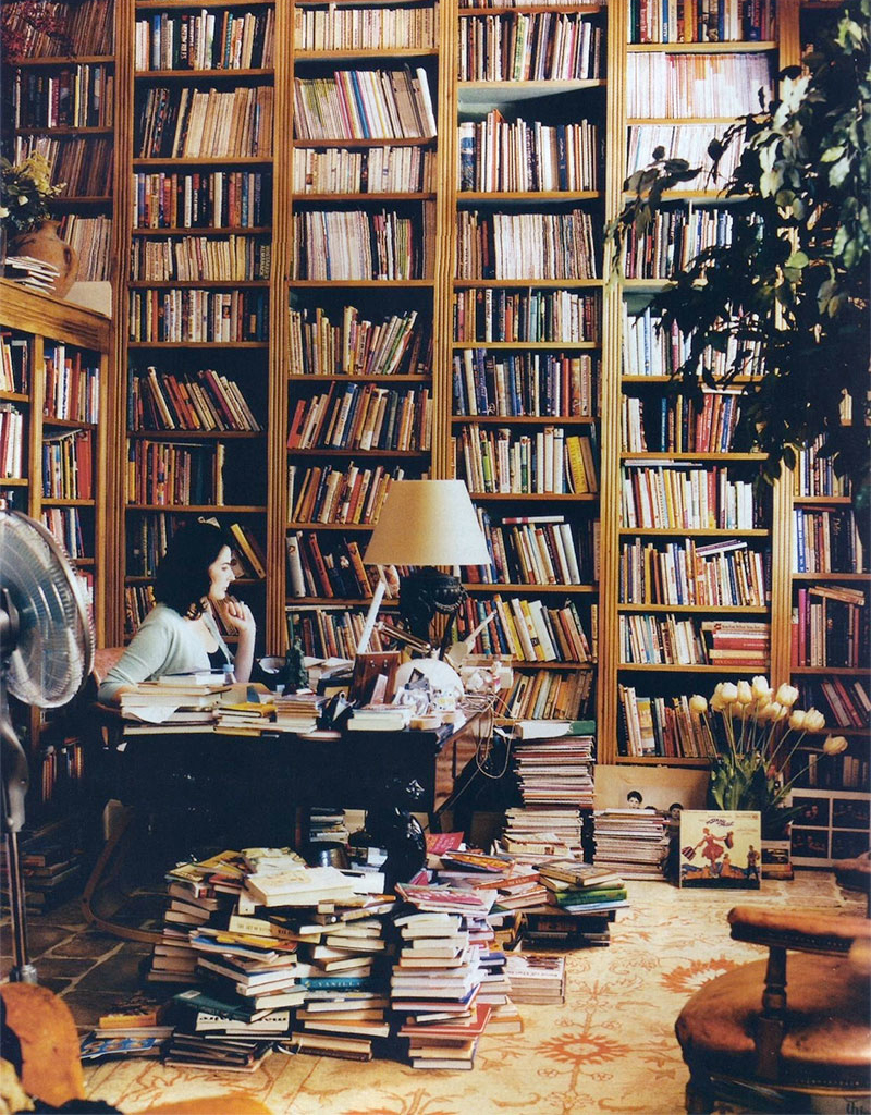 Nigella Lawson in her home library