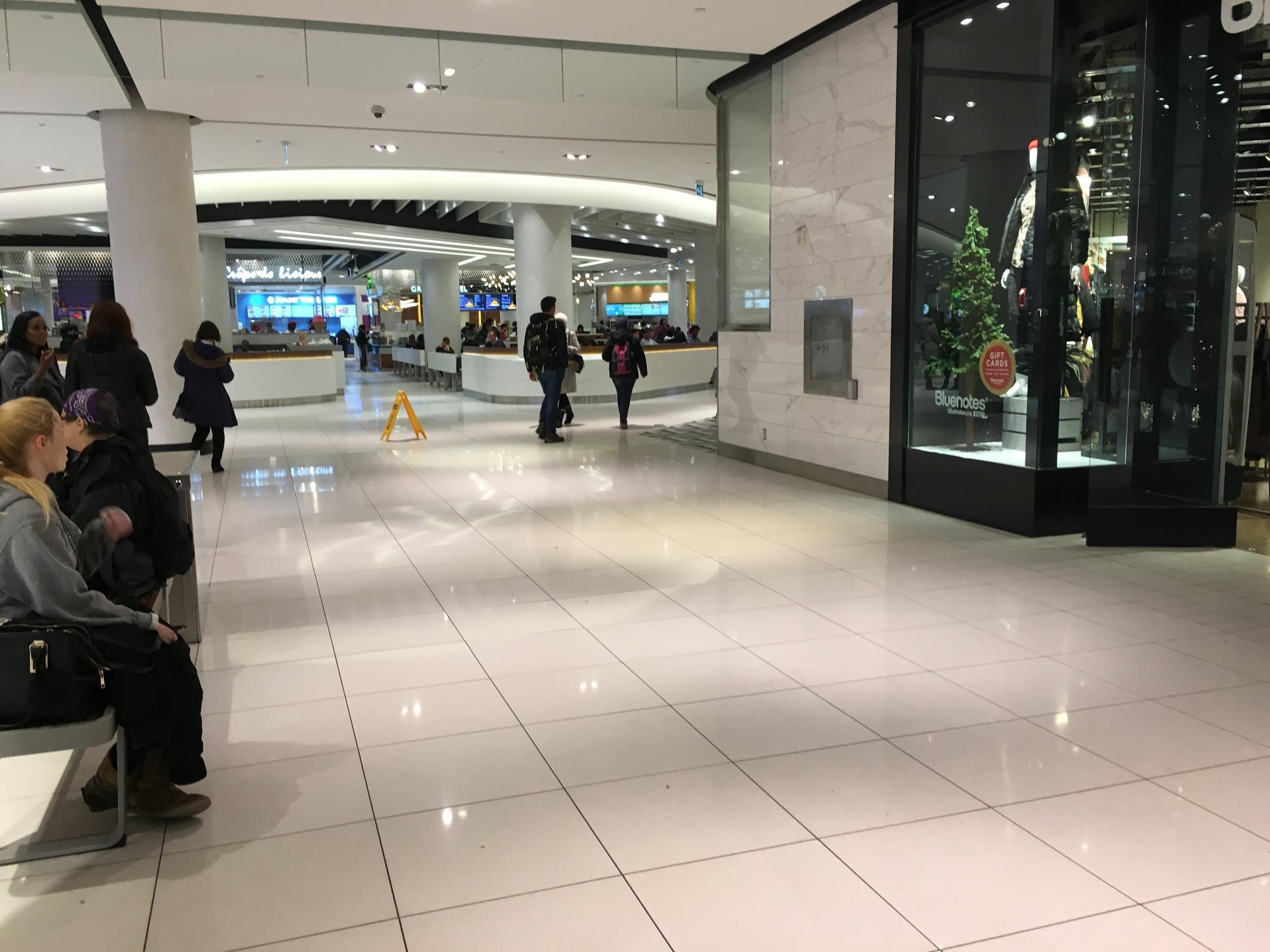 Jeremy Rideau centre entrance.JPG