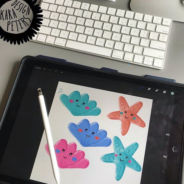"I do love a good work in progress snapshot! These happy little guys are by FolioFocus Kids Classmate @kara.peters ・・・ ""Some little sea critters #workinprogress for #foliofocus2019 #kidstrends from @risedesignandshine - working on more as we speak 😀 My daughter had some great input for the face styles - artist in the making""! #surfacepatterndesign #portfolio #graphicdesigner #printandpattern #surfacedesigner #kids #foliofocuskids #risedesignandshine #characterdesign"