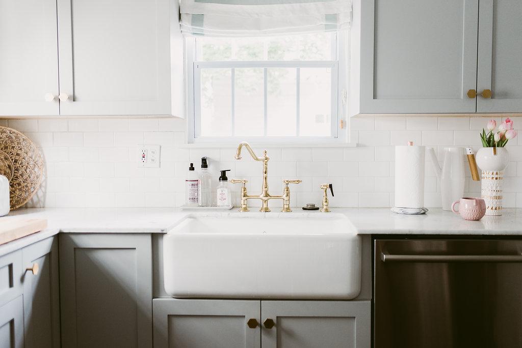 deboe-studio-interiors-gray-kitchen.jpg