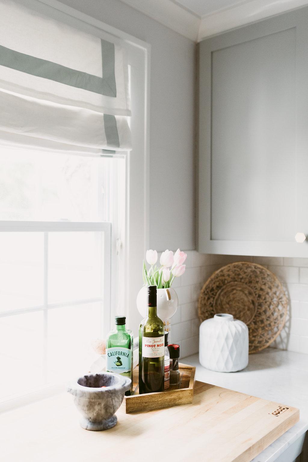 deboe-studio-interiors-gray-kitchen