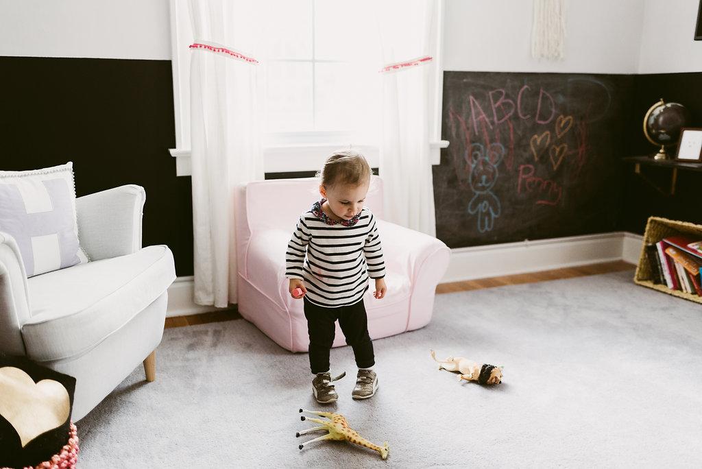 deboe-studio-interiors-kids-playroom-chalkboard-walls