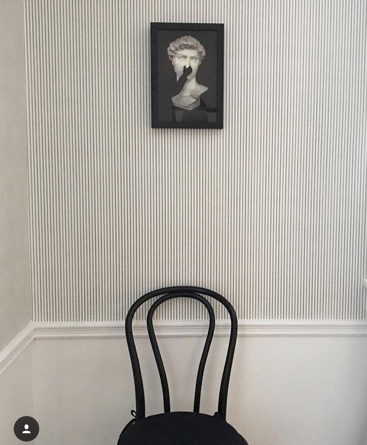 bentood-chair-artfully-walls-wall-art-deboe-studio-interiors-striped-wallpaper