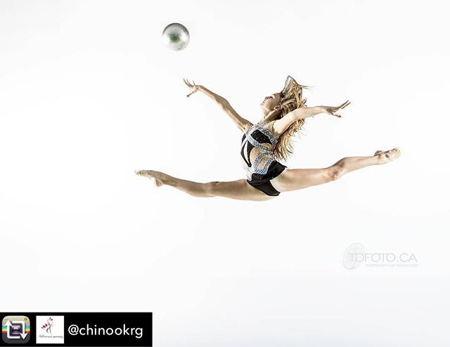 Reaching for the stars - Costume by MÜGE - Repost from @chinookrg - Beautiful leap @aretehya.h !🦋 #Repost @tarzandan (@get_repost) ・・・ YES she jumped that high!  #athlete  #rhythmic #gymnast #tehyahaberman @chinookrg @edgestudiosyyc  In an #outtake for our shoot for @freshify_dance  Photo by @TarzanDan TDFoto.ca #TarzanDan Leo: @mugewear #rhythmicgymnastics #rg #flexibility #ball #cdngymnastics #dance #chinookrg