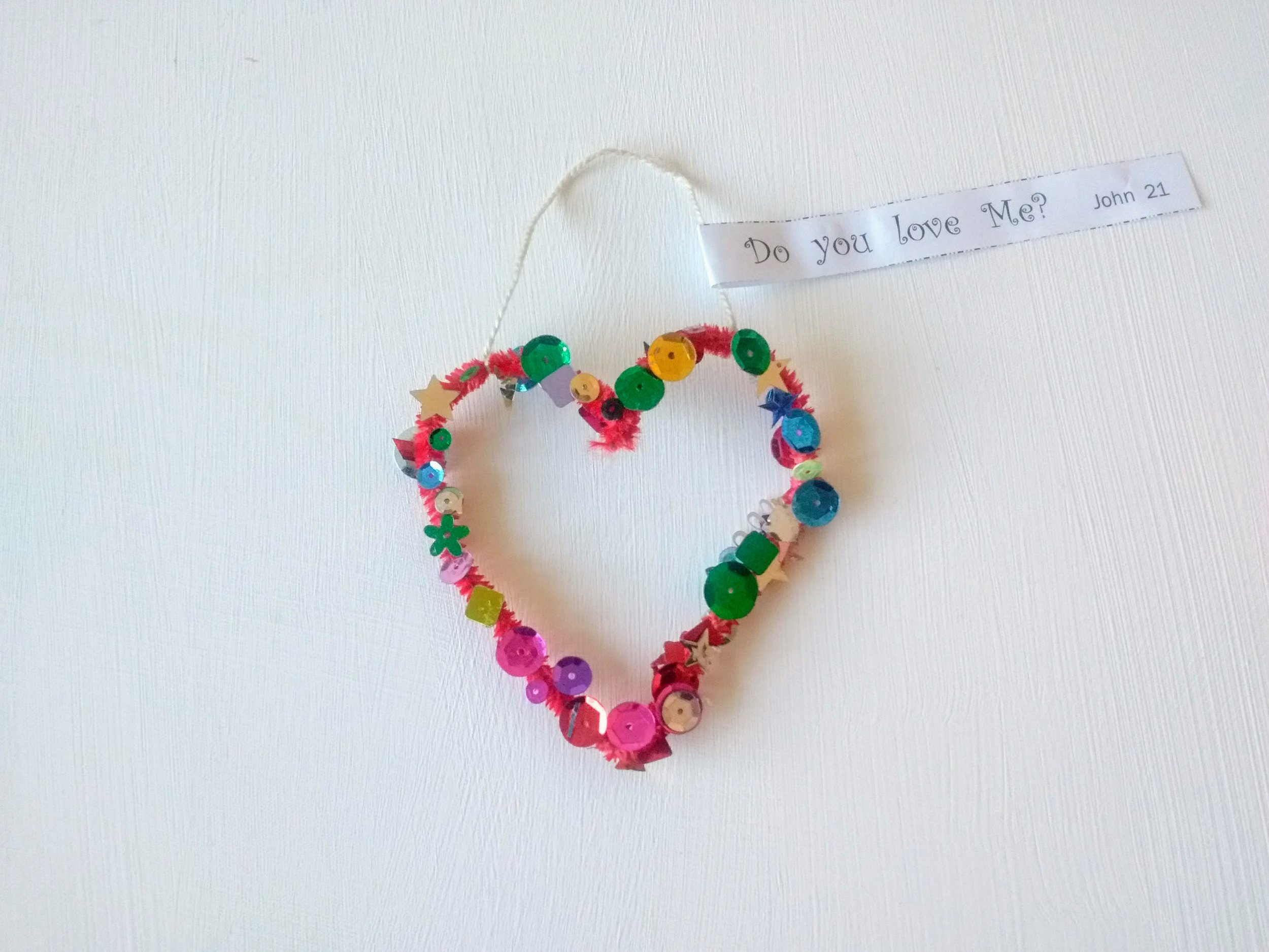 Pipe-cleaner hearts_Do you love me?