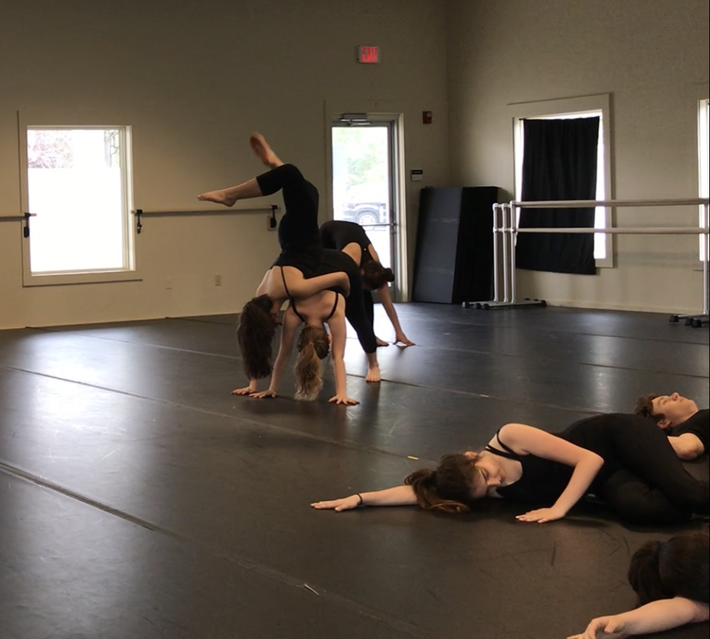 CONTEMPORARY MODERN   ages 12+  WED 3:45 - 5:15 pm