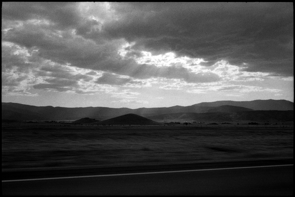 #0462_14A - Highway 5 North, August of 2016. Leica M2, Zeiss 35mm f/2, Ilford HP5 400.