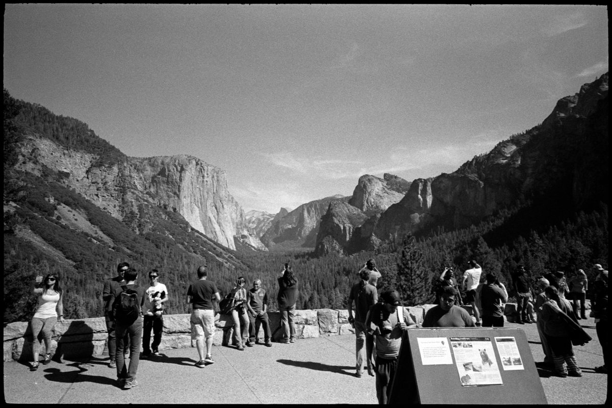 #0470_18A - Yosemite Valley, October of 2016. Leica M2, Zeiss 21mm f/4.5, Ilford HP5 400.