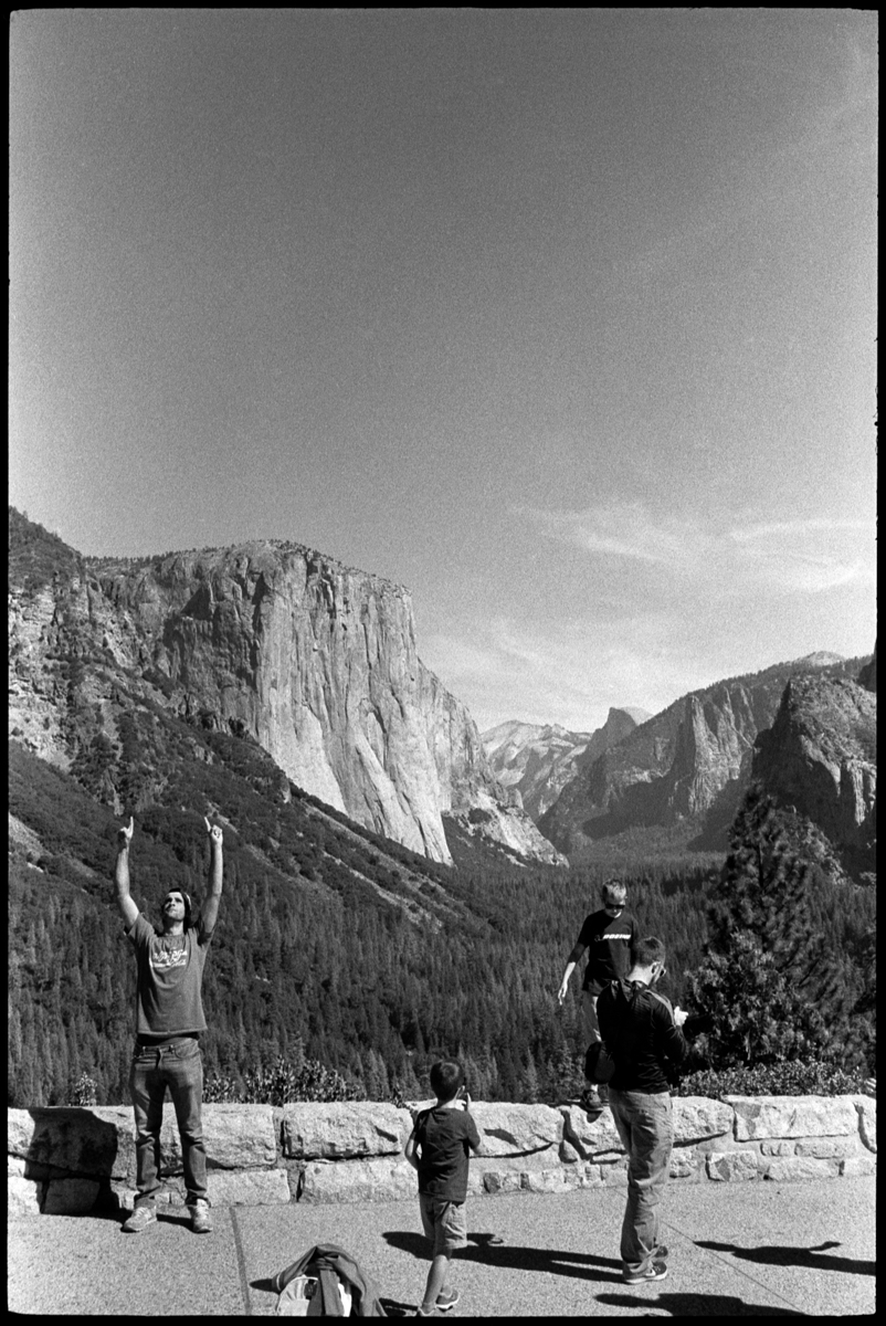 #0470_15A - Yosemite Valley, October of 2016. Leica M2, Zeiss 35mm f/2, Ilford HP5 400.