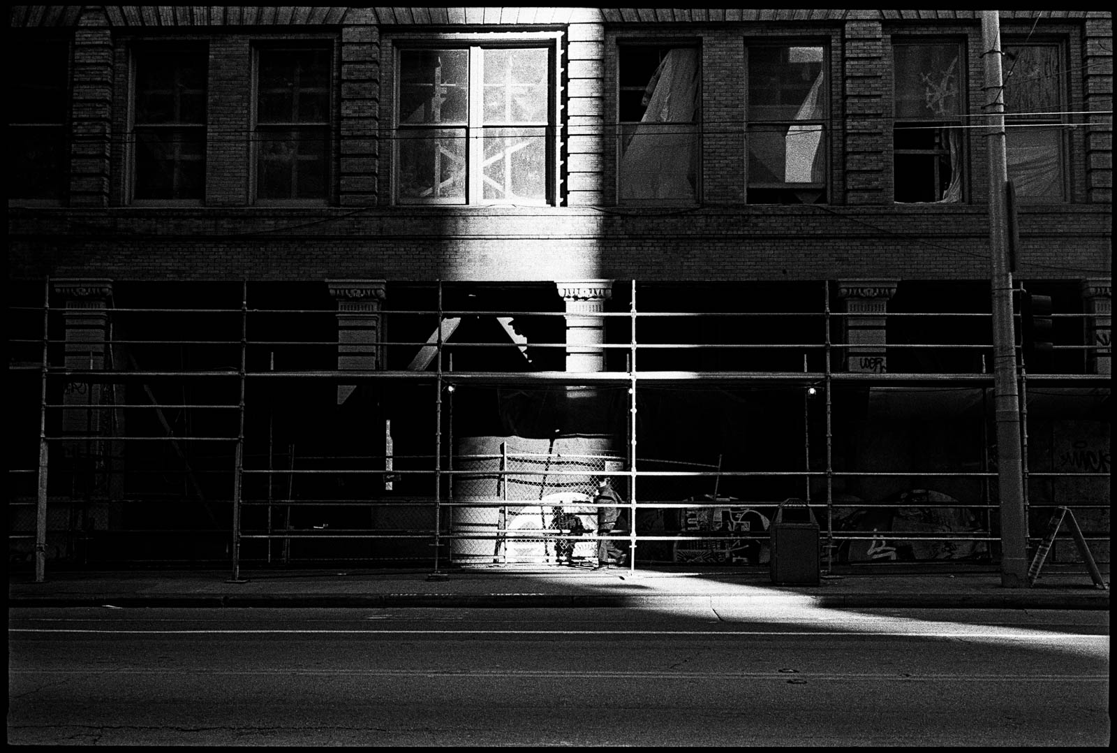 #0001_15 - Mission Street. San Francisco, 2003.