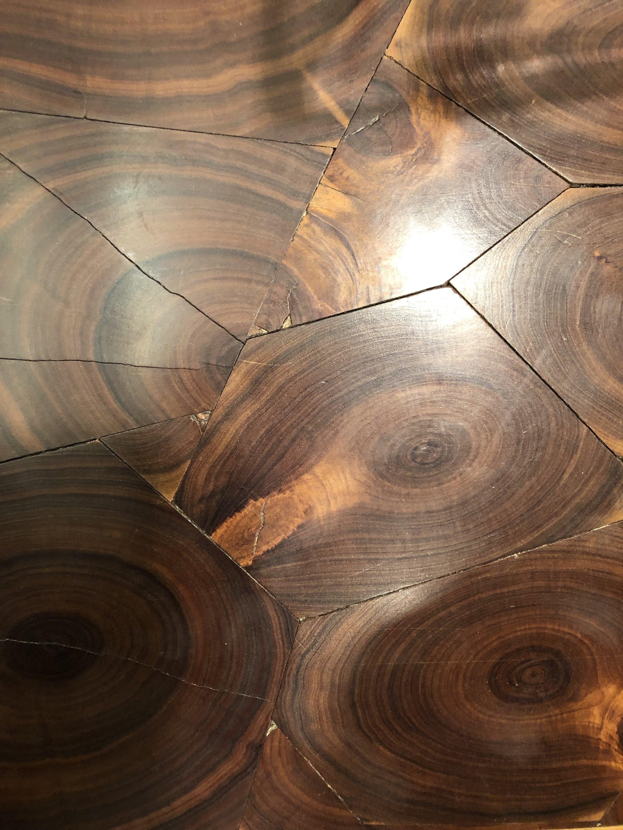 The Randomly Amazing Table