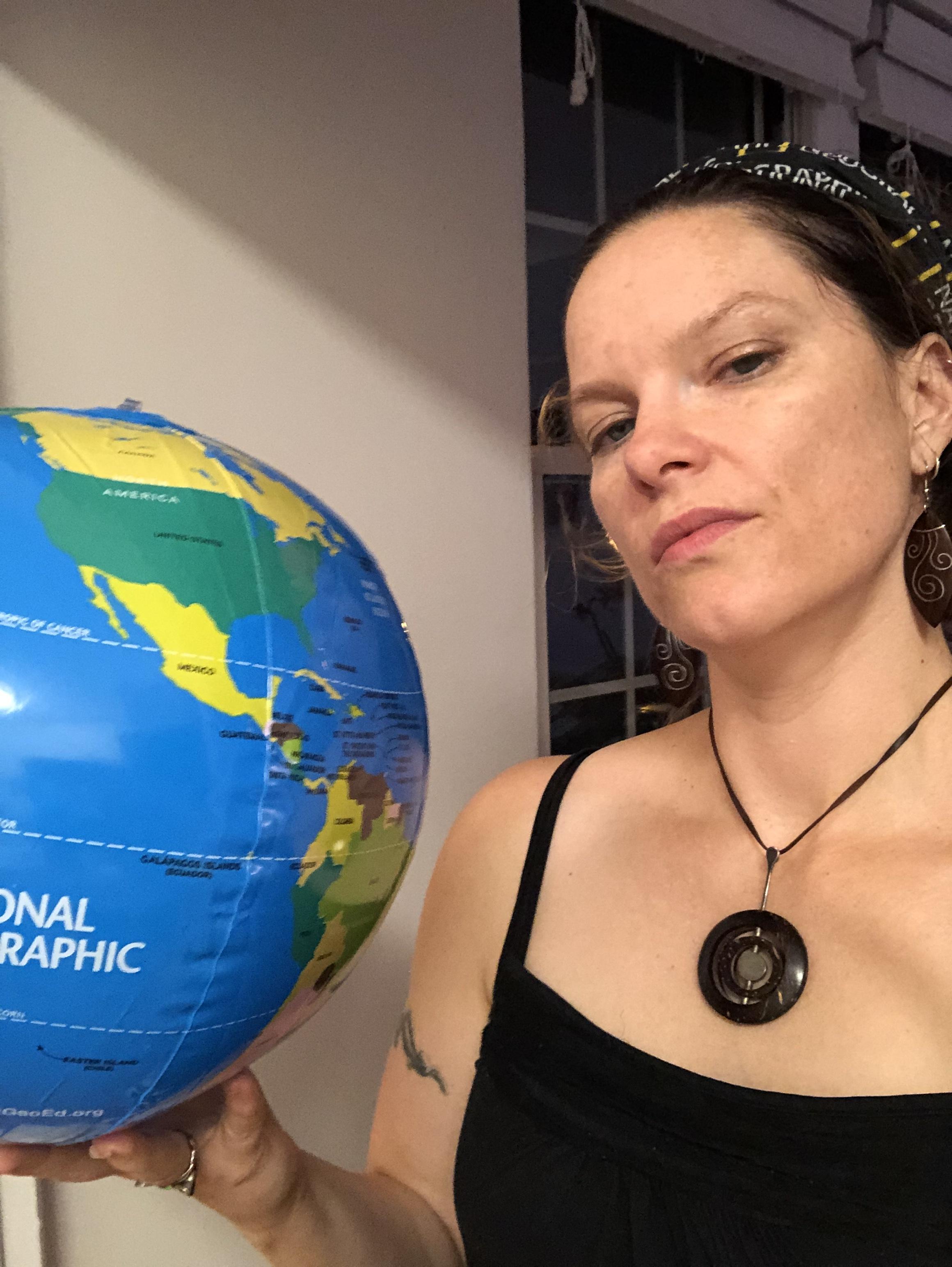 Globe Selfie