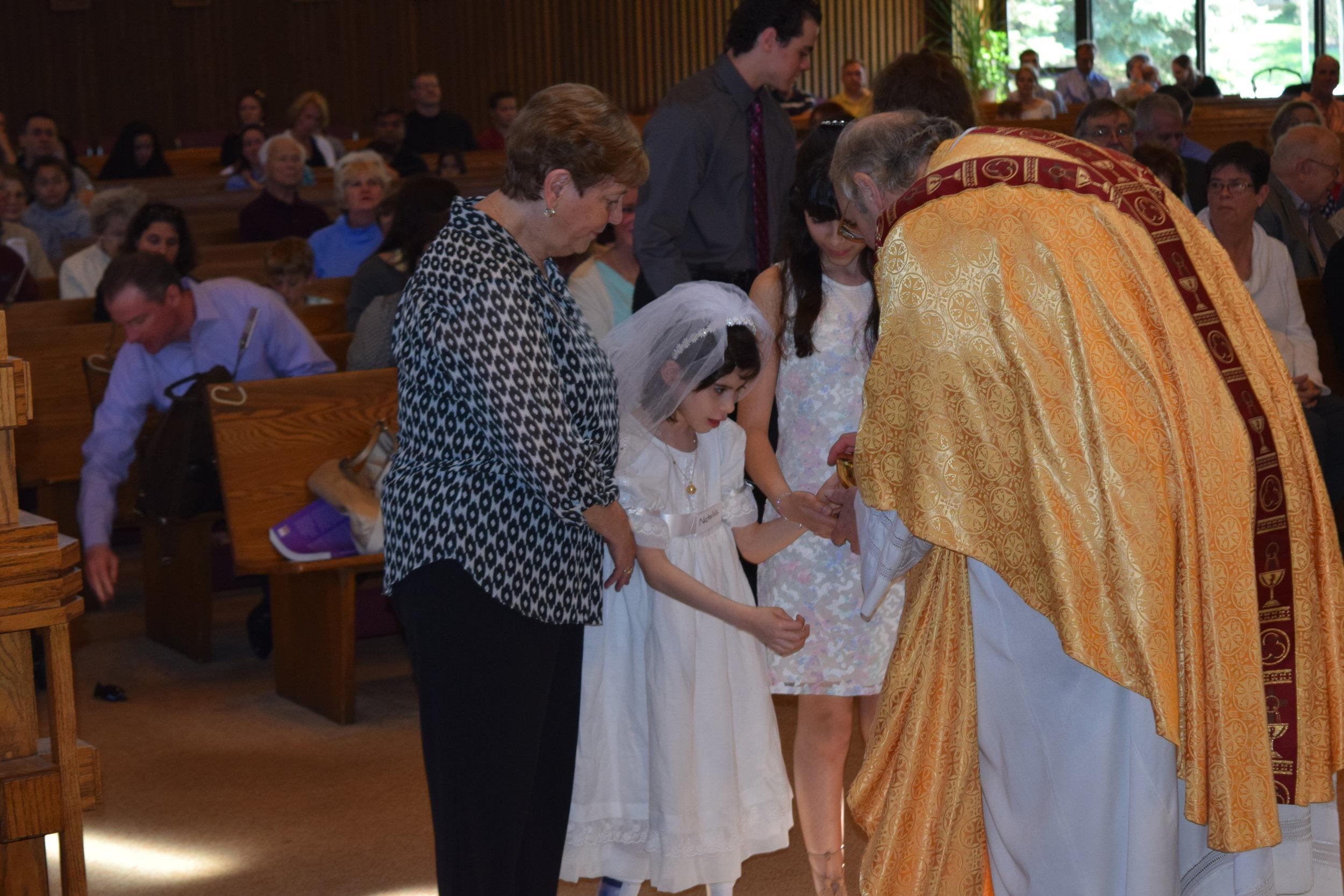 Natalia 1st communion 4-23-17.jpg