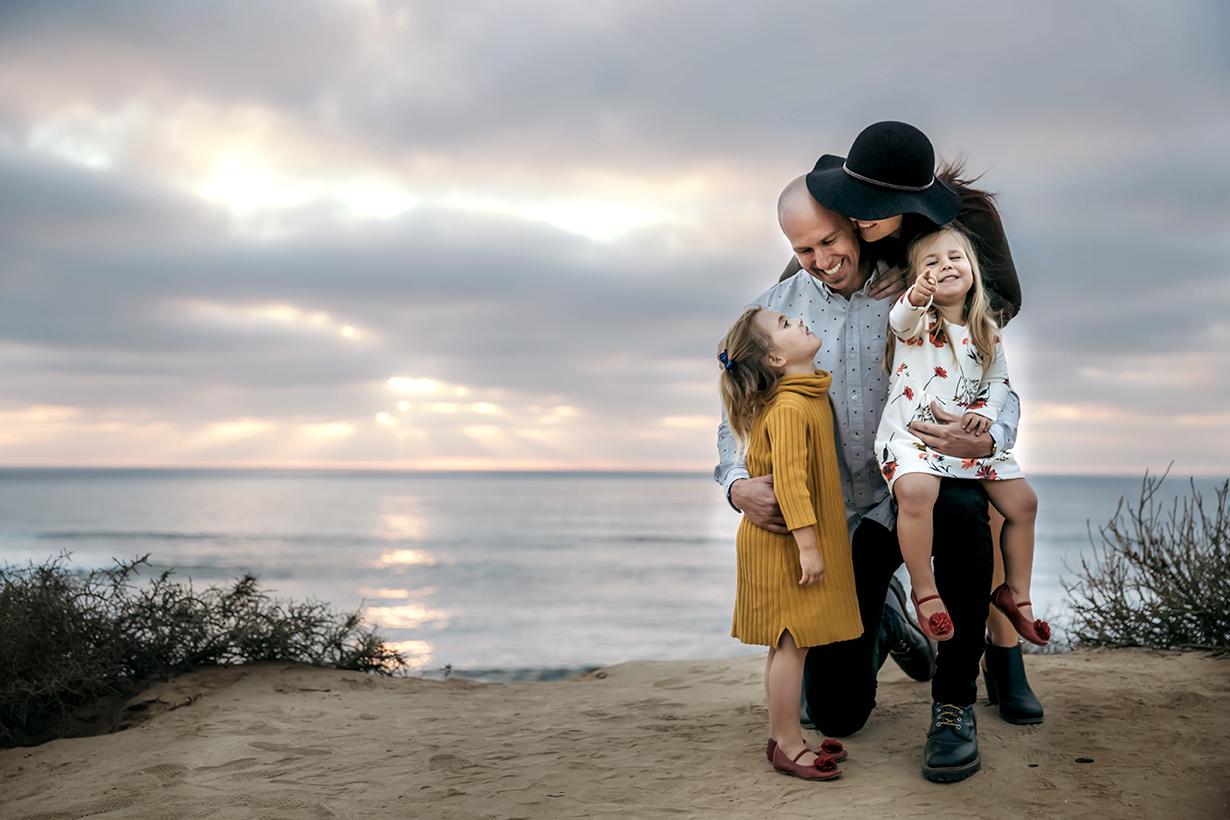 sunsetcliffsfamilyphotossandiegophotography1.jpg