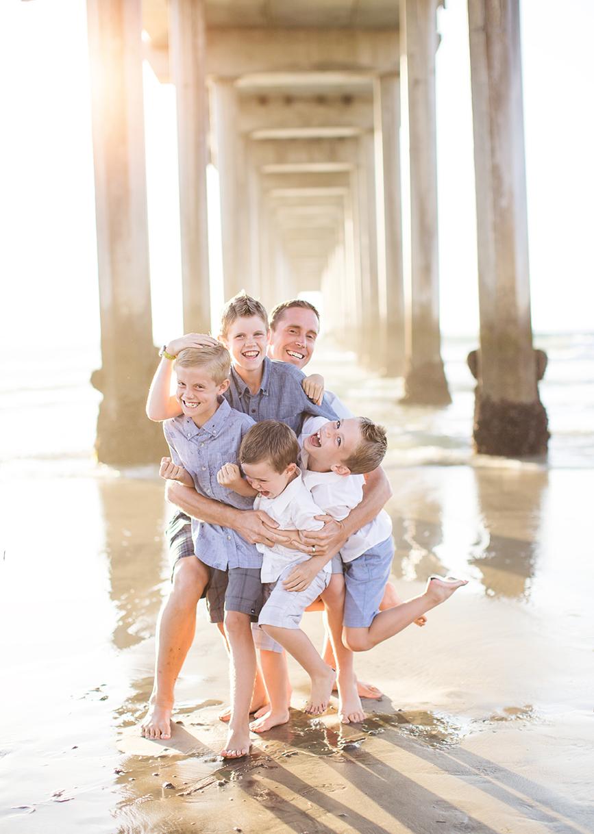 FamilyBeachPhotographyScripsPier08.jpg