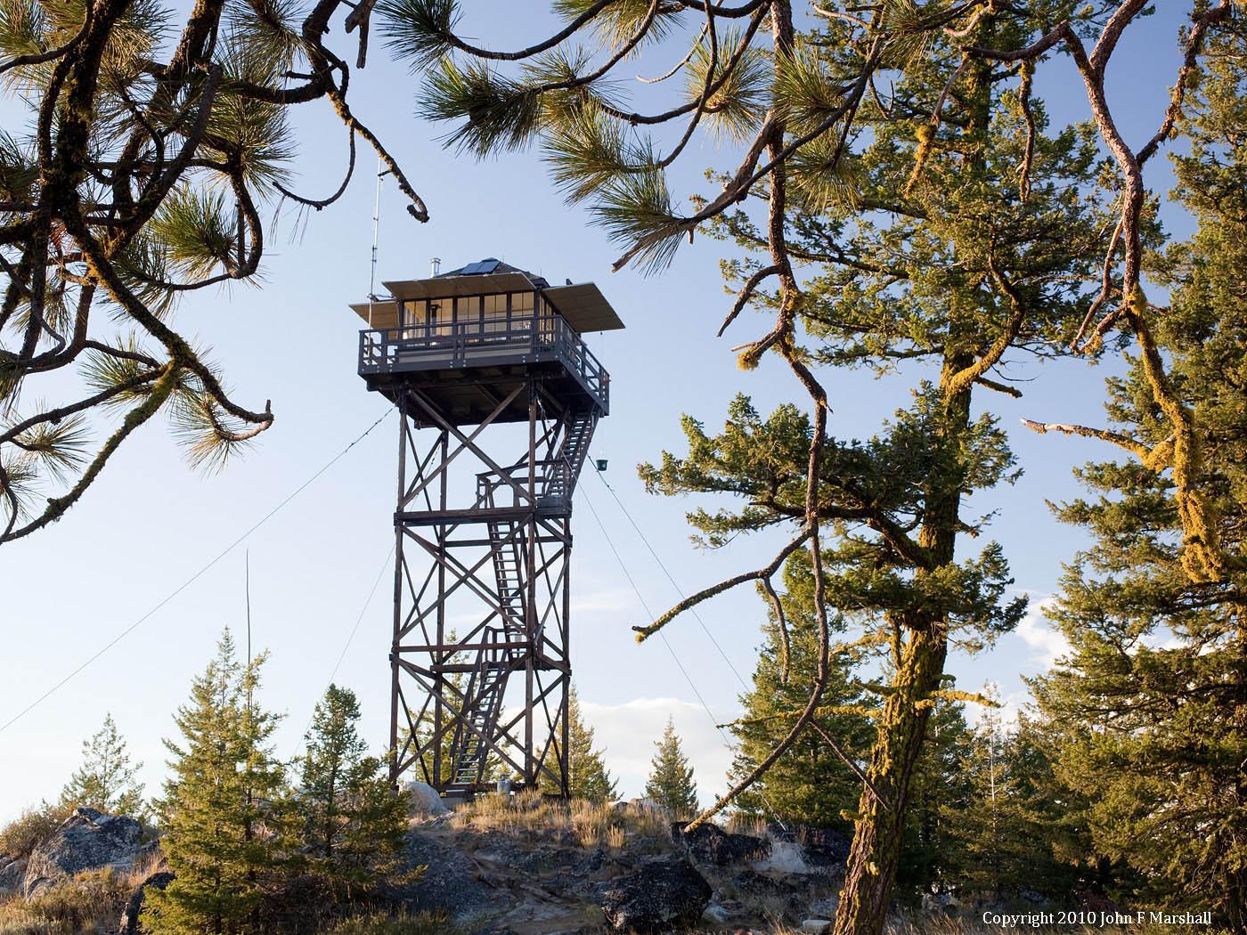 Leecher Mountain Lookout in 2010.