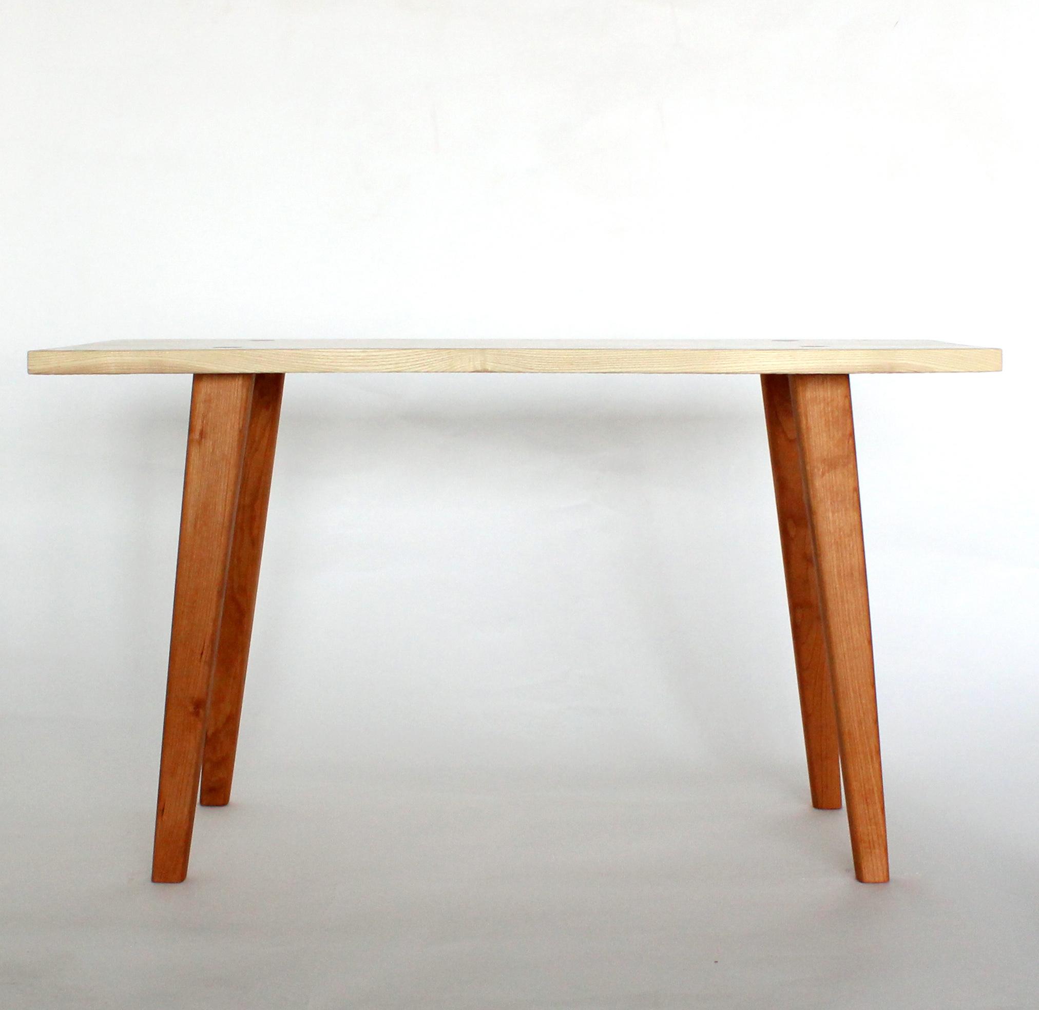 Emma Senft, table, Montréal, custom furniture, mobilier, sur mesure, solid wood, bois