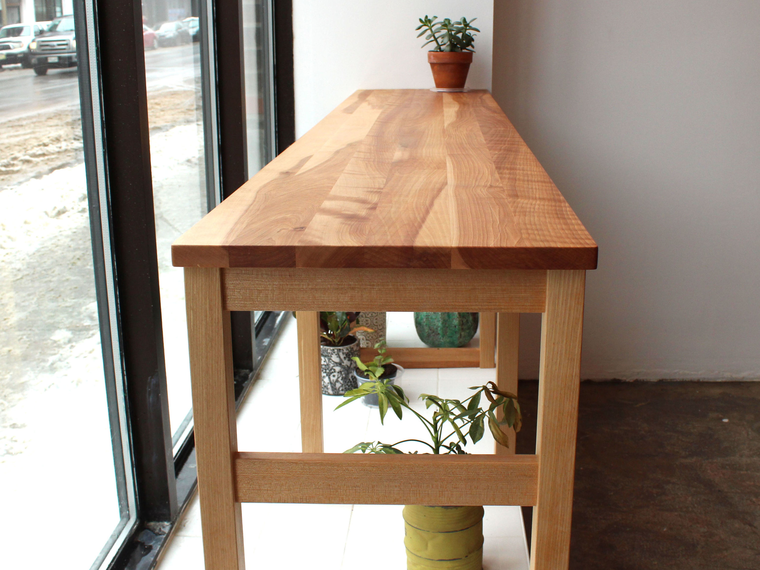 custom cabinet montreal, custom table, montreal, solid wood, aliments viens, montreal le main, sustainable, responsible forestry