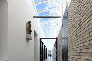 Wall-mounted longlight 5-40˚