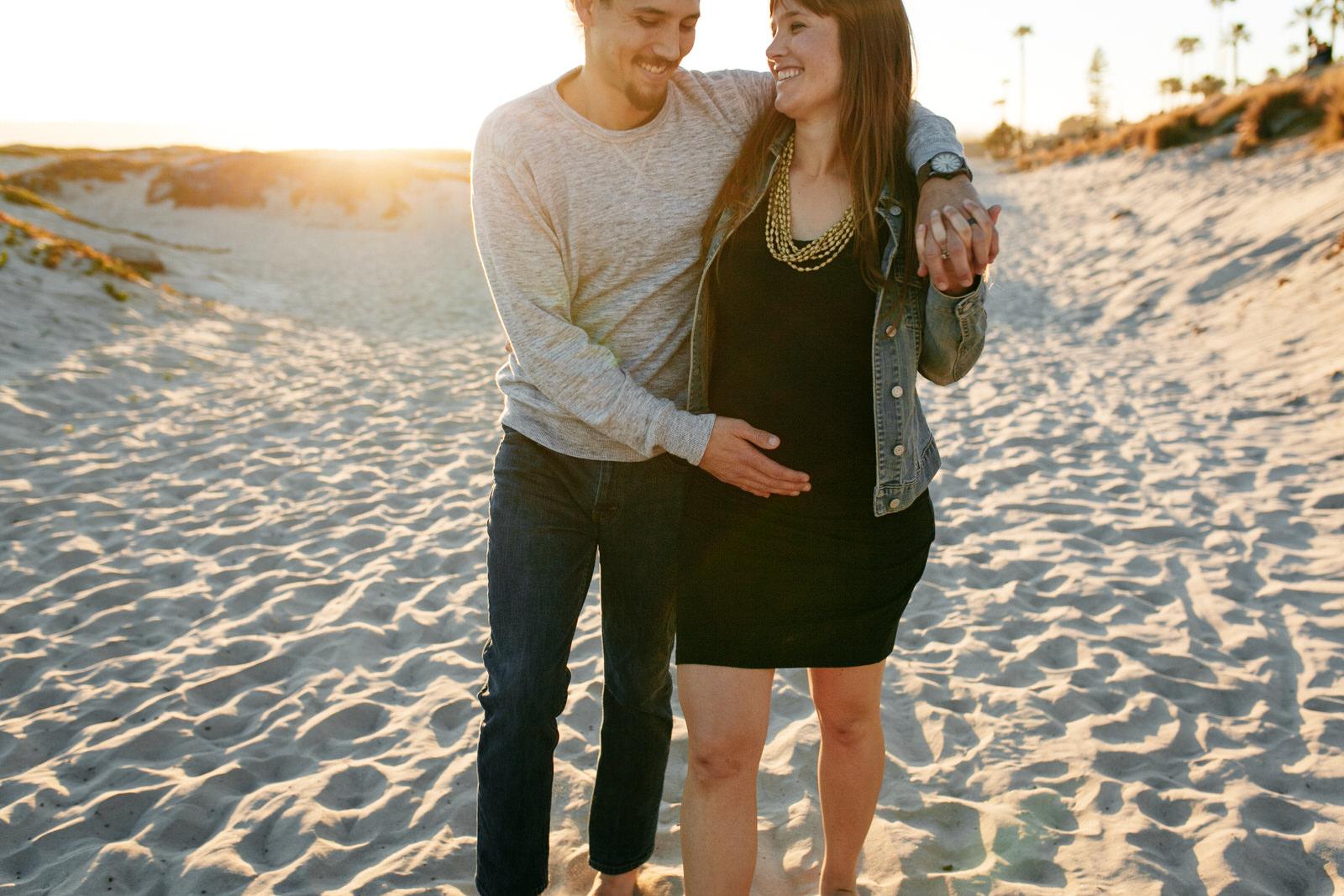 SamErica Studios - San Diego Maternity Photographer - Babymoon in Coronado-46.jpg