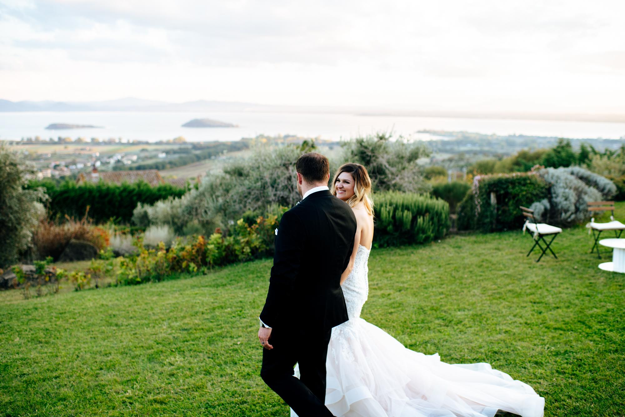 SamErica Studios - Cortona Italy Wedding -  Modern Destination Wedding photographers - italy wedding portraits