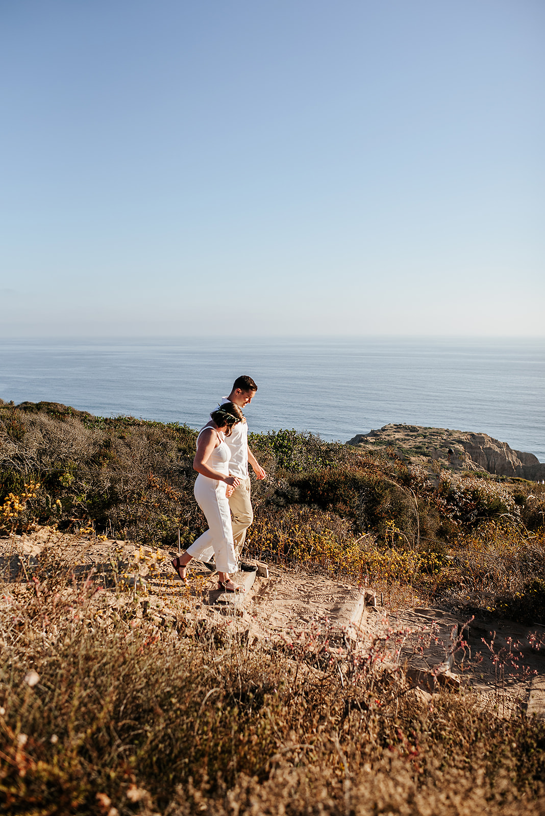 SoCal_Standard_-_San_Diego_Engagement_Photographer_-_Modern_Candid_Destination_Photographer_-_Engagement_Session_at_Torrey_Pines_San_Diego_California_-_Grace_and_Robert-39.jpg
