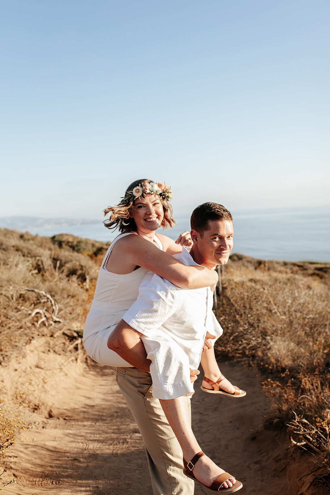 SoCal_Standard_-_San_Diego_Engagement_Photographer_-_Modern_Candid_Destination_Photographer_-_Engagement_Session_at_Torrey_Pines_San_Diego_California_-_Grace_and_Robert-43.jpg