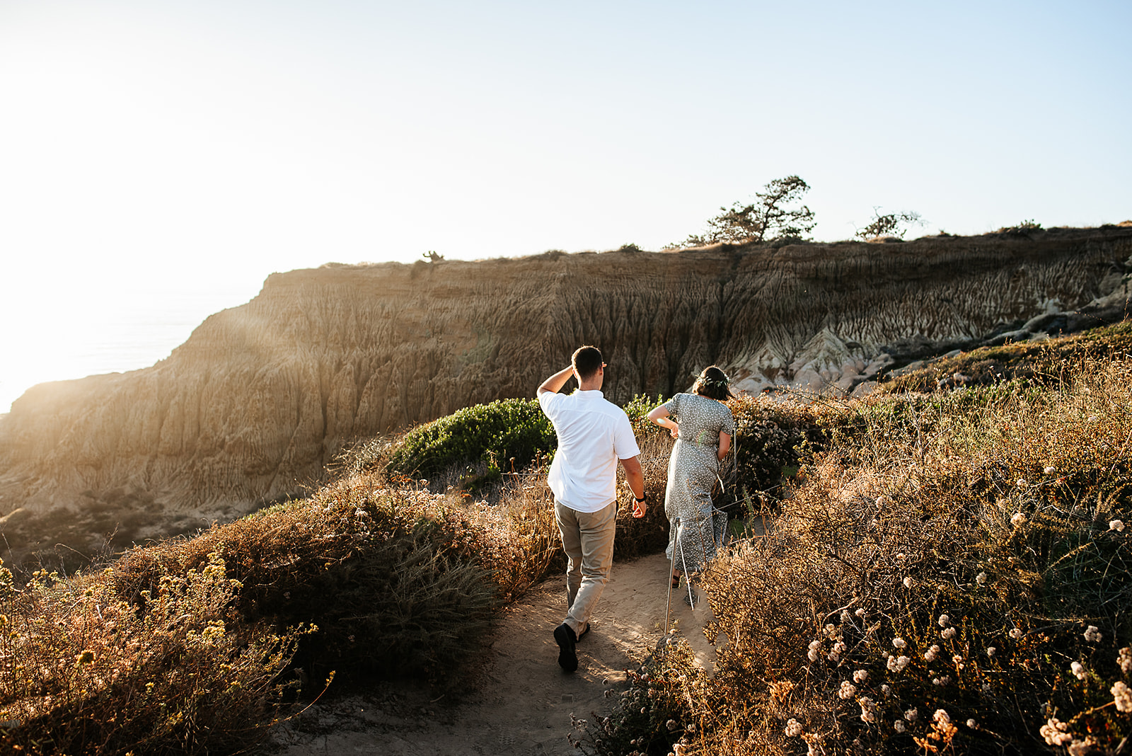 SoCal_Standard_-_San_Diego_Engagement_Photographer_-_Modern_Candid_Destination_Photographer_-_Engagement_Session_at_Torrey_Pines_San_Diego_California_-_Grace_and_Robert-156.jpg