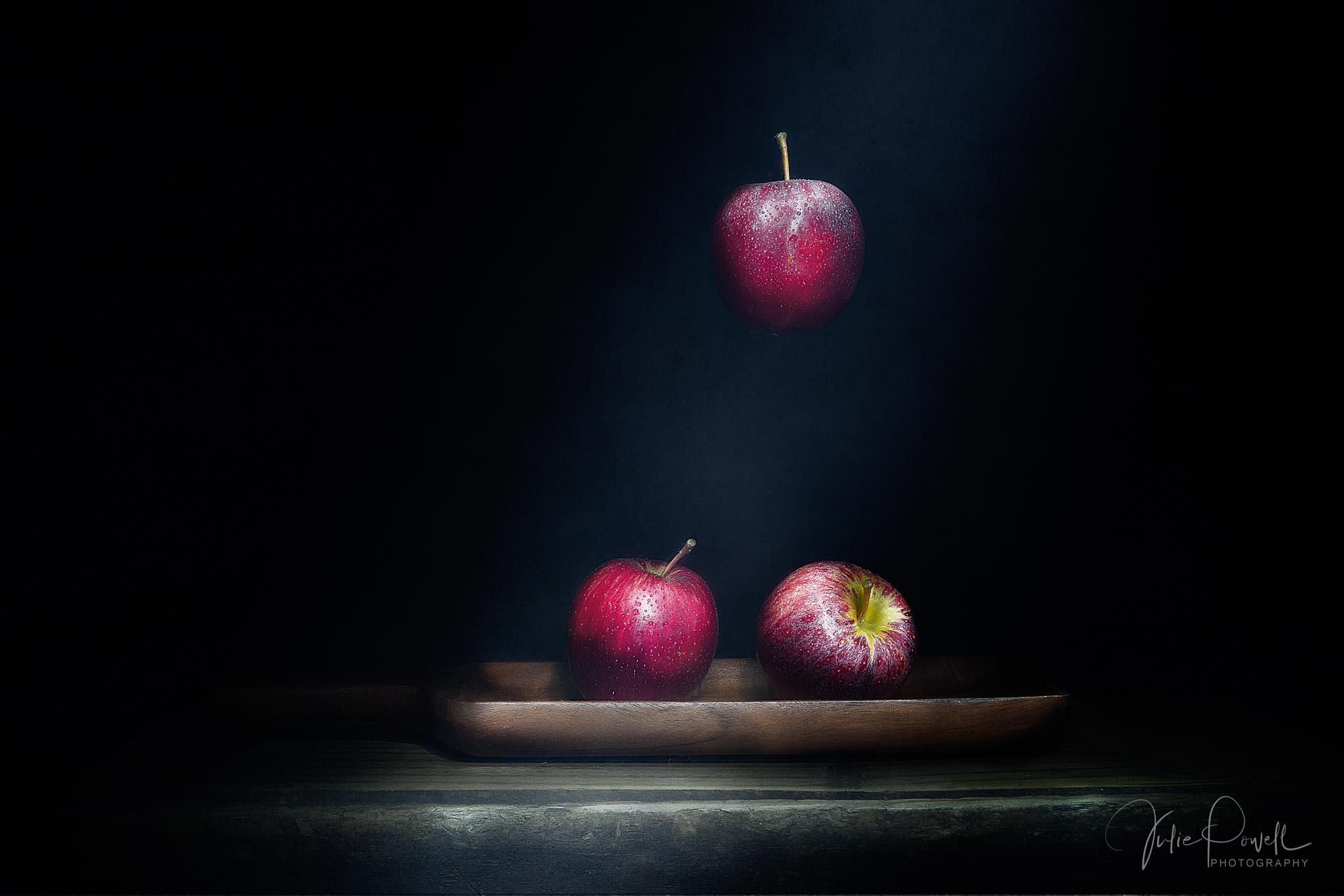 Julie Powell_Newtons Apple.jpg