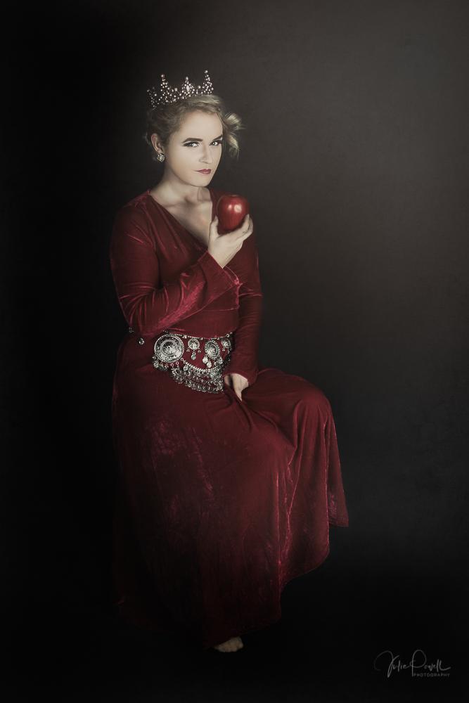 JuliePowell_RedQueen-20.jpg