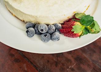 Rustic No-bake Lemon Cheesecake
