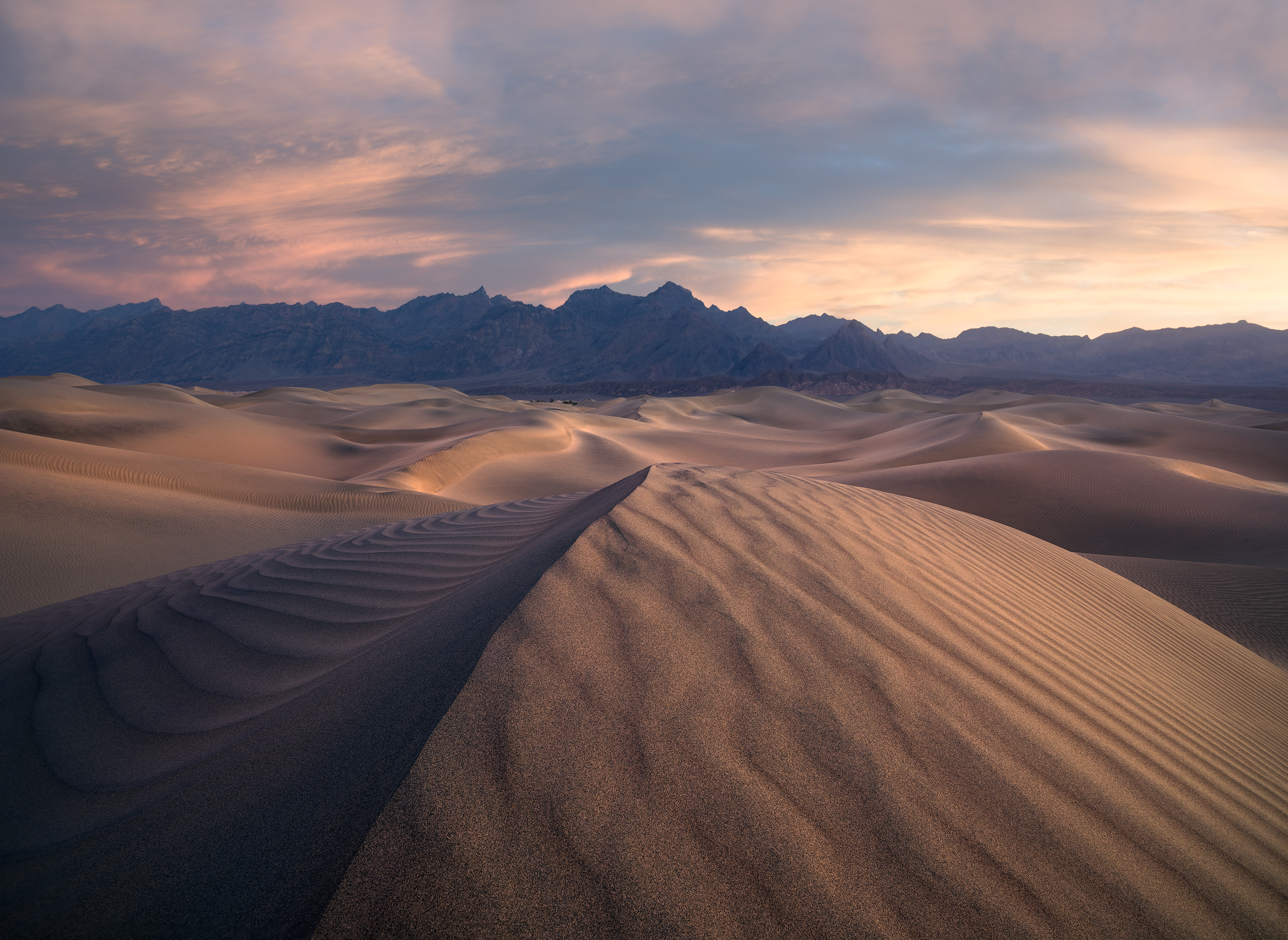 Dunes at 14mm. Mountains at 50mm.