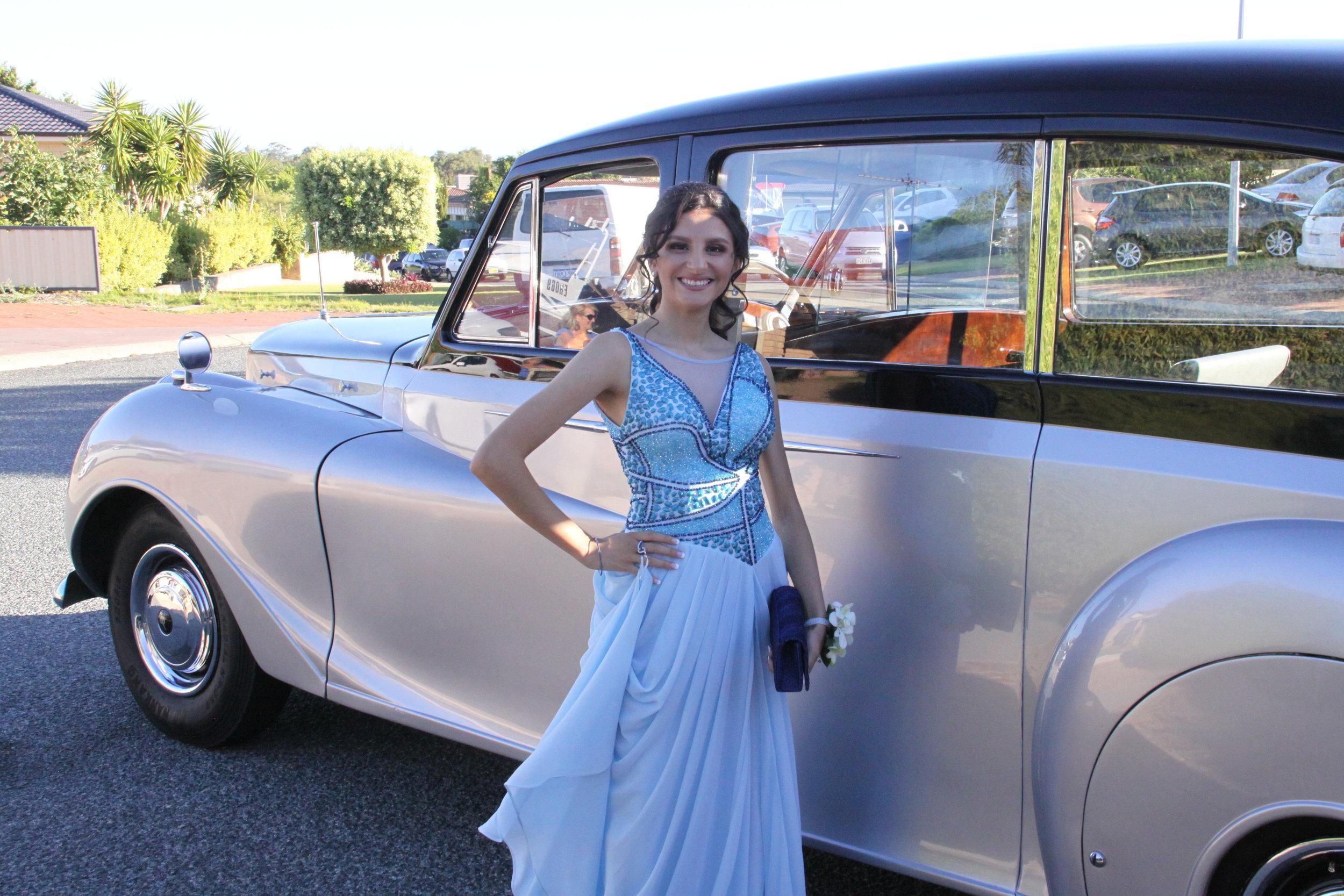 lady-in-blue-very-nice-classics-wedding-cars-perth-school-ball.JPG