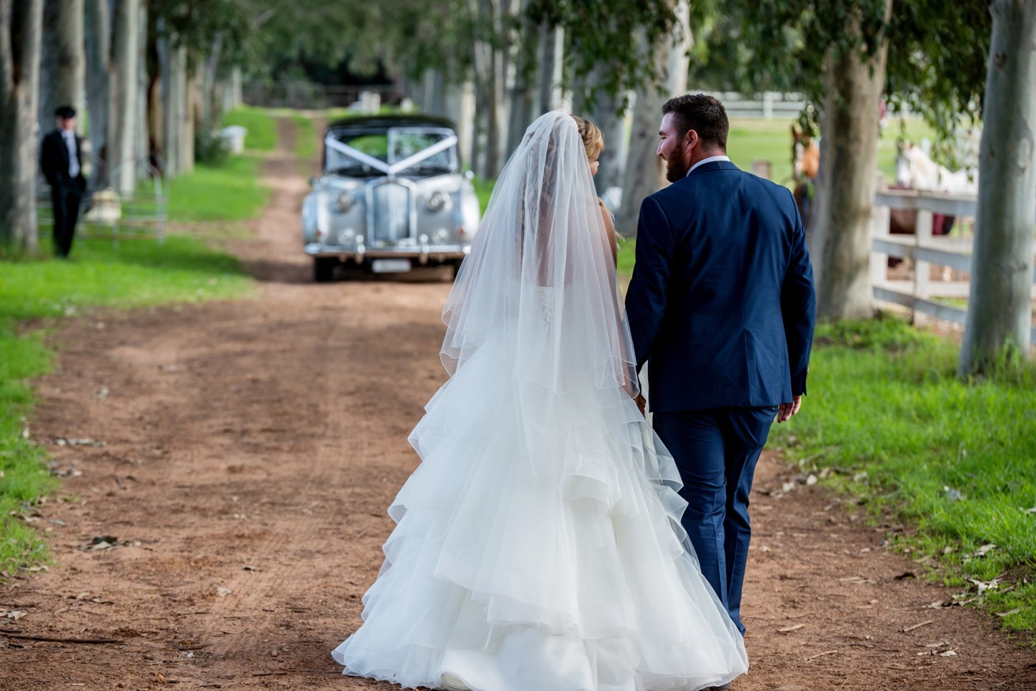 Sandie_Bertram_Photography_Very_Nice_Classics_Perth_Wedding_Cars_Anne-Marie_and_Vince.jpg