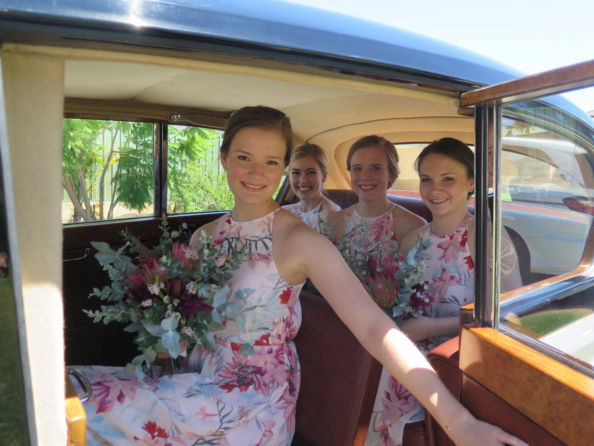 16a-Kaitlins_girls_in_Very_Nice_Classics_wedding_car_Perth_February_2017.jpg