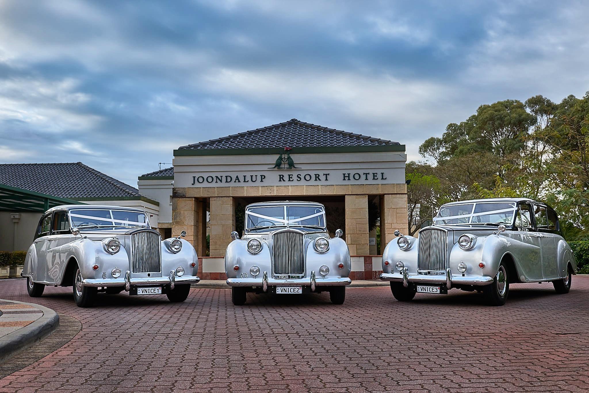 9-Very_Nice_Classics_Joondalup_Resort_Bruno_Kongawoin_Lightbent_Images_Photoshoot_three_wedding_cars.jpg