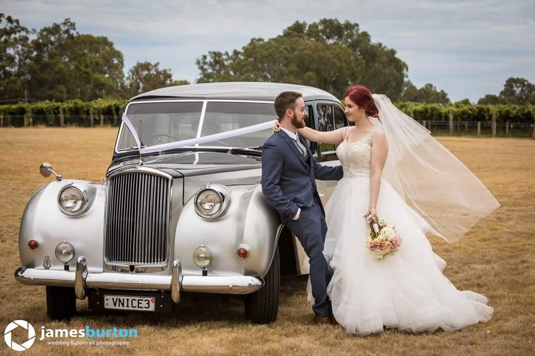 wedding-car-with-bride-and-groom-very-nice-classics.jpg