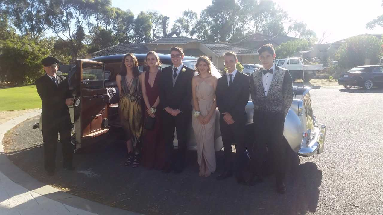 school-ball-in-perth-with-very-nice-classics-group.jpg