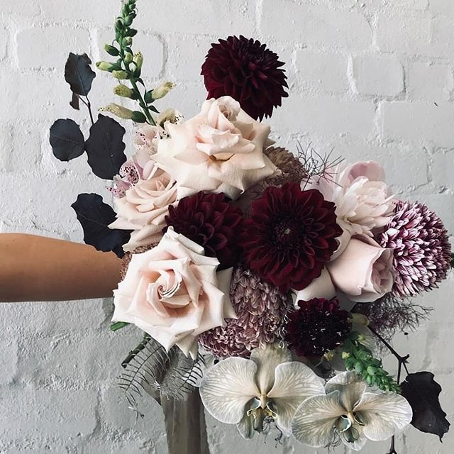 Super luxe and moody bouquet by one of our talented floral besties Clare @fleurandthreads. Featuring our silk ribbon in Olive.  #silkribbon #silkribbonaustralia #plantdyed #plantdyedsilk #plantdyedsilkribbon #handdyed #handdyedsilk #botanicaldye #weddingbouquet #bouquetribbon #weddingdetails #thepaperbotanist