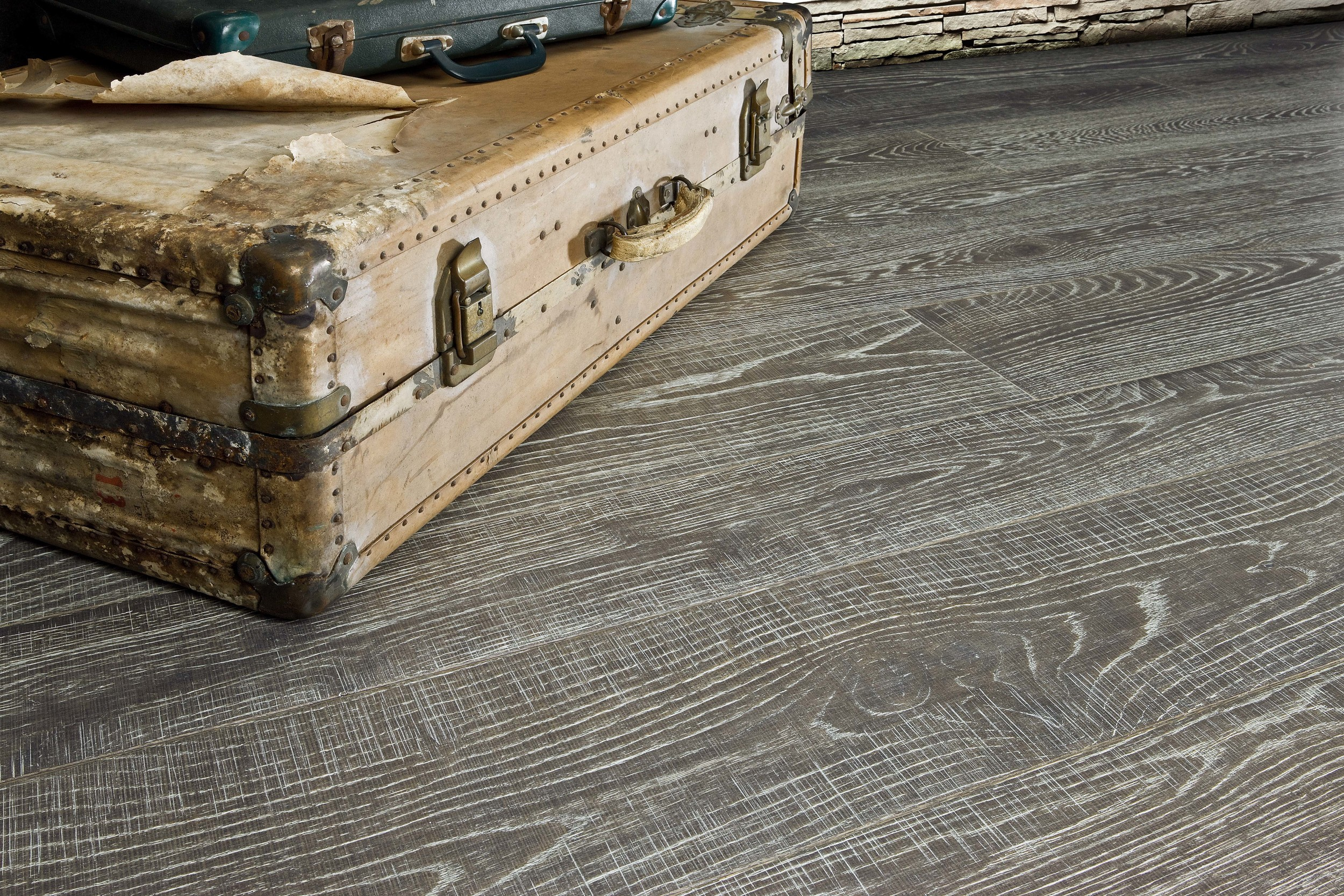 AA Saw Cutting Rusticone Oak Cannes Varnished.