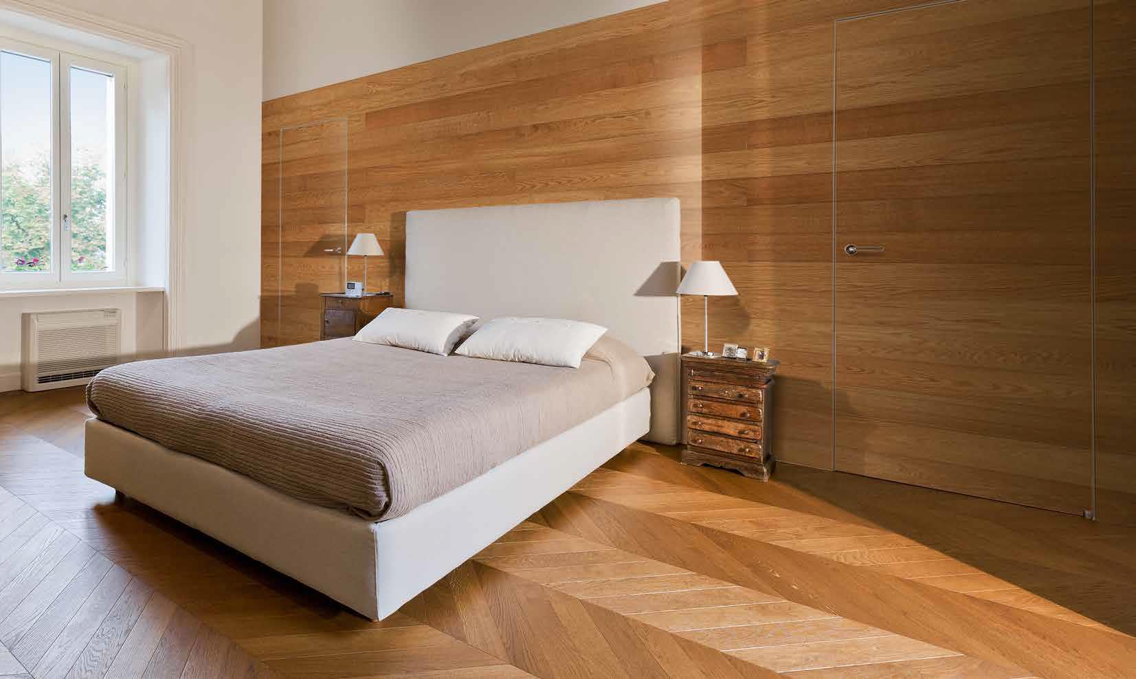 Frameless doors, walls and floor in Oak