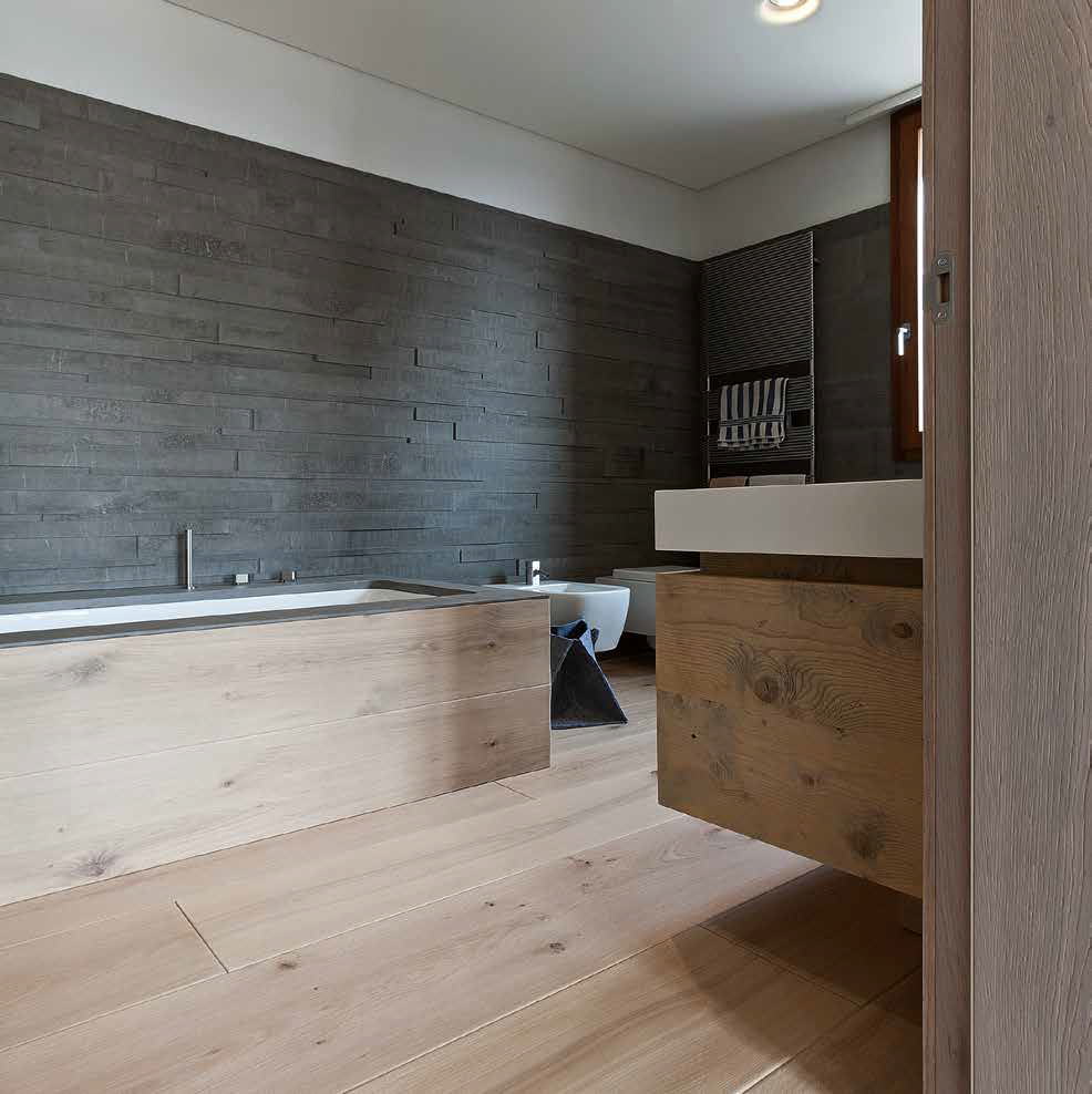 Onda oak bathroom unit