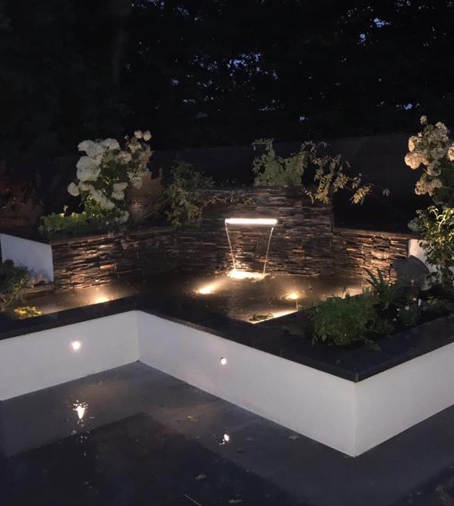 Contemporary garden in Bothwell, Glasgow