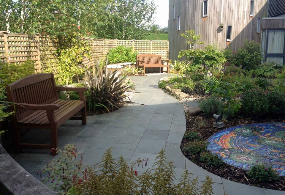Peace Garden, Robin House