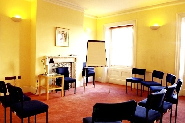 SMALL ROOM   We have a number of small meeting rooms at Mandeville Place which work brilliantly for small seminars and more intimate meetings. Each is a minimum of 16 sq/m and benefit from high ceilings and plenty of natural light.   Boardroom: 10 Classroom: 12 Theatre: 15 U-shape with chairs: 12