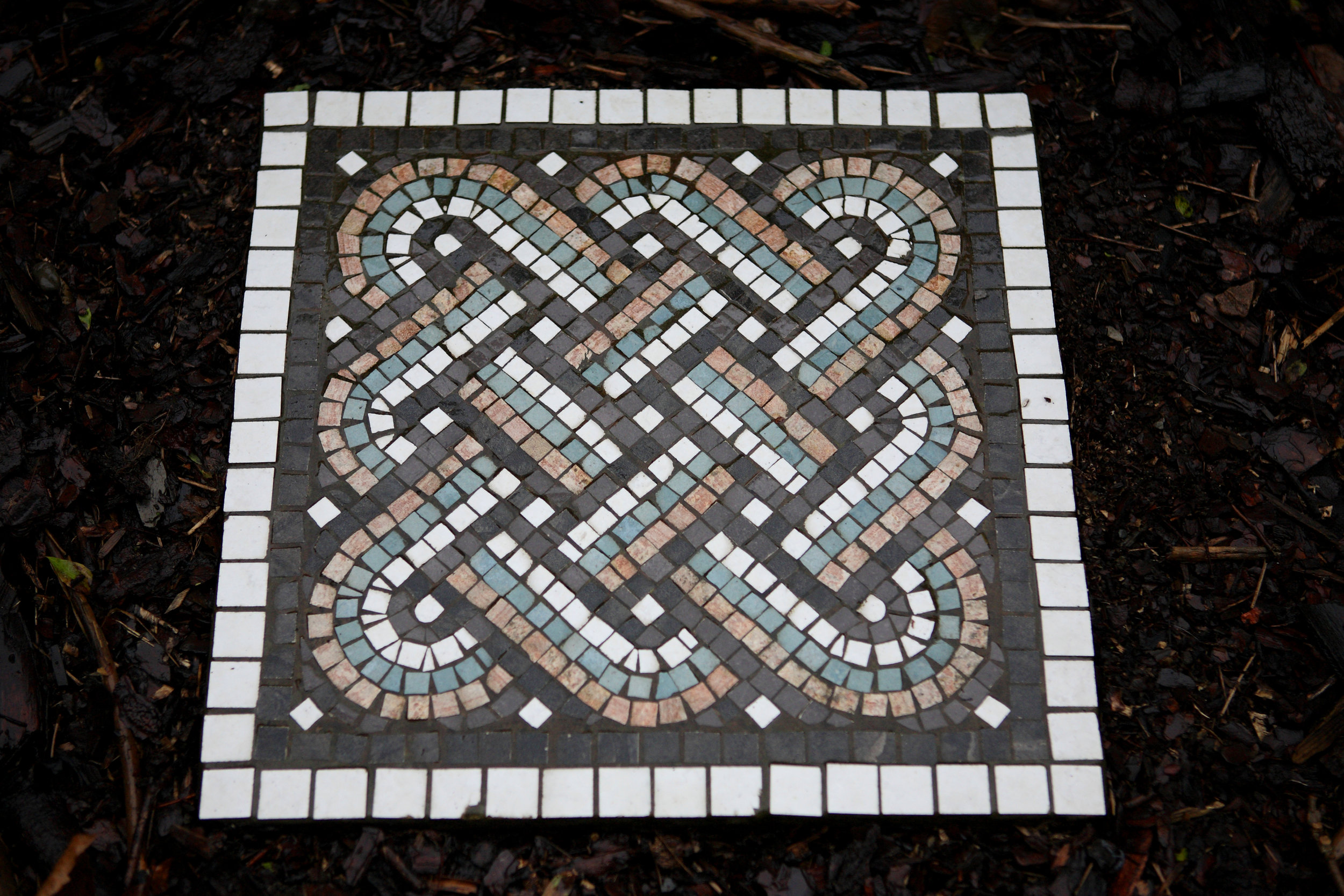 Roman knot garden slab mosaic (from the garden slab course)