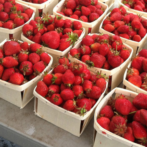 The sweet smell of summer in a punnet (picture: www.ccfma.net)